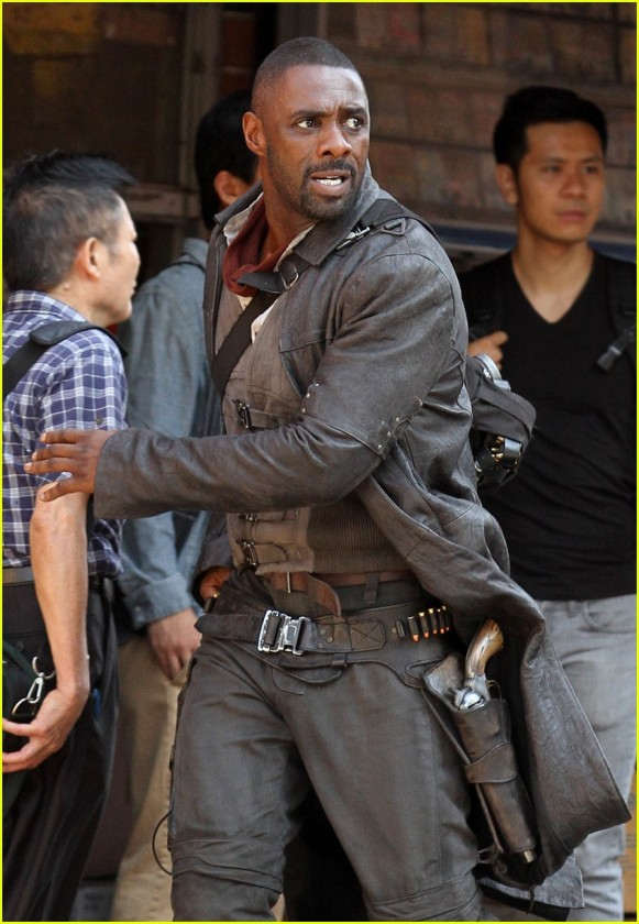 idris-elba-films-dark-tower-scenes-with-tom-taylor-as-jake-02