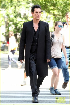matthew-mcconaughey-long-nails-dark-tower-set-05